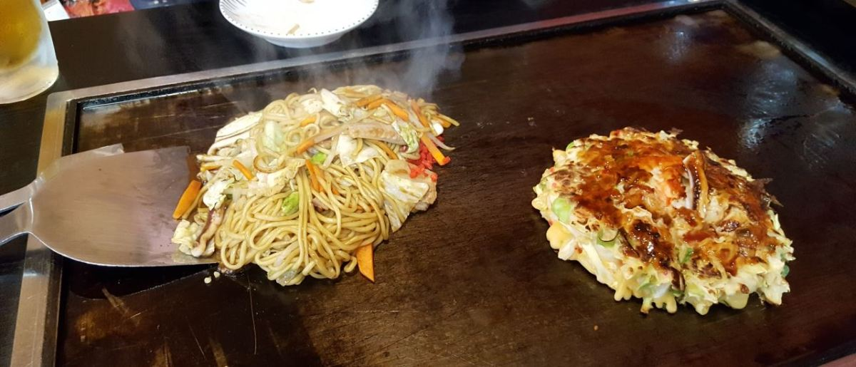 yakisoba-and-okonomiyaki